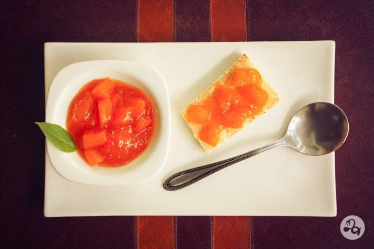Mic dejun cu gem de mango