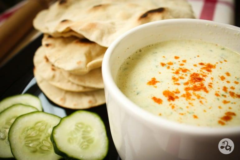 Turte indiene chapati cu sos de iaurt